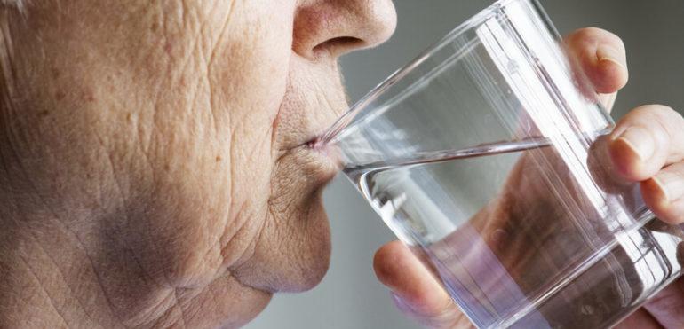Pflegetipp – Flüssigkeitszufuhr im Alter